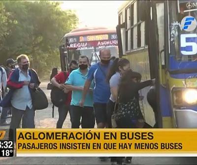 Aglomeración en los buses por poca frecuencia