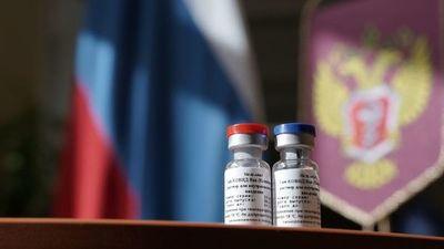 Rusia anuncia haber desarrollado la 'primera' vacuna eficaz contra covid-19