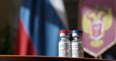 """OMS reacciona con prudencia al anuncio de la vacuna rusa """"Sputnik V"""""""