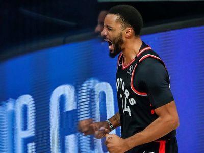 Raptors ganan el duelo a Bucks sin Antetokounmpo, y los Suns siguen invictos