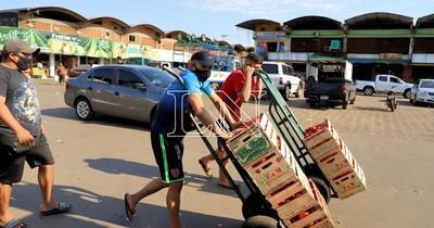 Comerciantes se oponen a la clausura del Abasto y piden extremar medidas