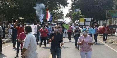 Funcionarios cerraron avenida frente al Hospital San Pablo