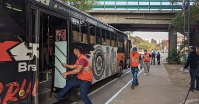 Multan a solo tres empresas de transporte por llevar más de 10 pasajeros parados