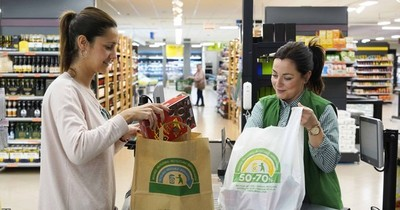 Postergan para el 2021 el uso obligatorio de bolsas reutilizables en los comercios