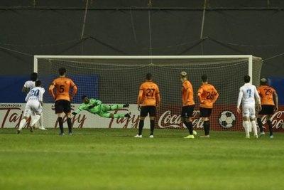 Pereira: 'El árbitro nos condicionó mucho, con el VAR vamos para atrás'
