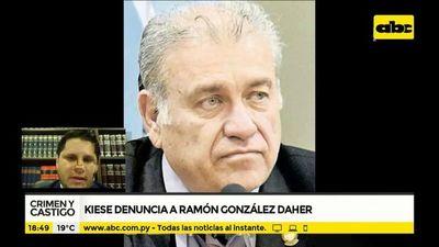 Kiese denuncia  a Ramón González Daher