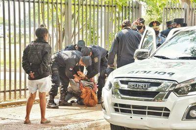 Estudiantes denuncian brutalidad policial durante manifestación