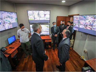 Marito inaugura sistema de monitoreo y apoya a Fúster