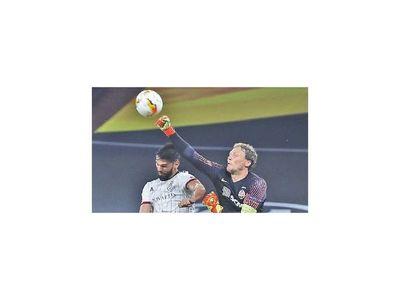 Sevilla y Shakhtar avanzan