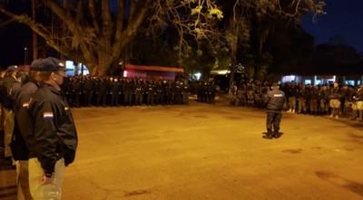 Familiares de policías y militares anuncian movilización frente al Ministerio de Hacienda