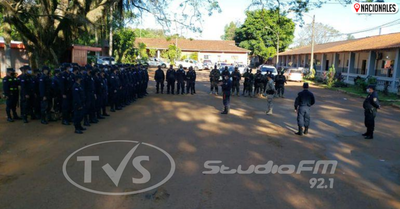 Oficial muerto por covid-19 sólo era atendido por practicantes, denuncian