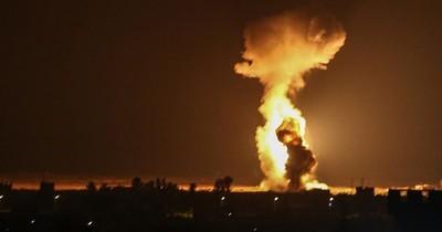 Israel ataca objetivos de Hamas en Gaza tras lanzamiento de globos incendiarios