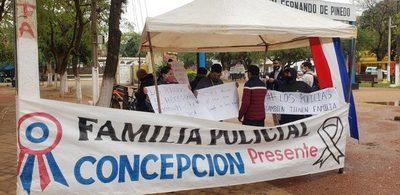 Concepción: Familiares de policías exigen gratificación