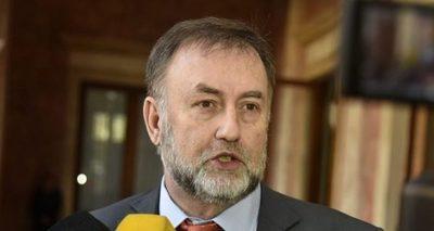 """Asignados los USD 1.600 millones, """"falta"""" dinero, afirma Benigno López"""