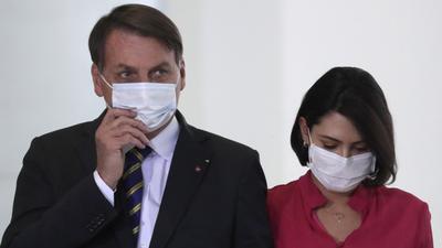 """El virus vai se """"llevó"""" a la """"abue"""" de la esposa de Bolsonaro"""