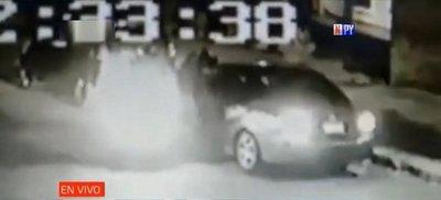 Violento asalto de motochorros a conductora en Sajonia