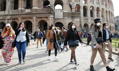 Italia hará test al regreso de algunos países del entorno tras aumento de casos de COVID