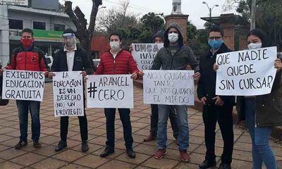 En Coronel Oviedo estudiantes universitarios también realizaron manifestación – Prensa 5