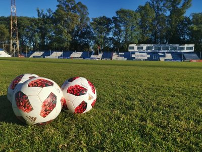 12 de Octubre y San Lorenzo juegan este jueves de mañana