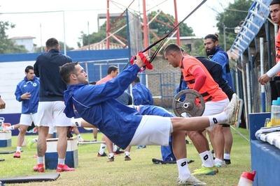 """Casos positivos de COVID-19 forzaron la postergación del juego entre el """"12"""" y El Rayadito"""
