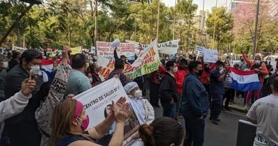 """""""Todos somos primera línea"""", dicen funcionarios administrativos de hospitales"""
