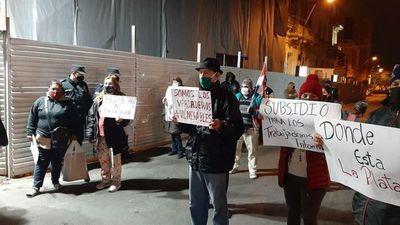 """""""Déjense de joder porque esto va a explotar"""", advierten manifestantes ante la crisis"""
