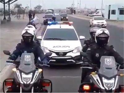 Covid-19: Policía realiza concienciación en la Costanera de Asunción