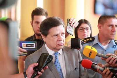 """Acevedo apela a una unidad nacional contra COVID: """"En esta guerra imaginaria perdemos todos"""""""