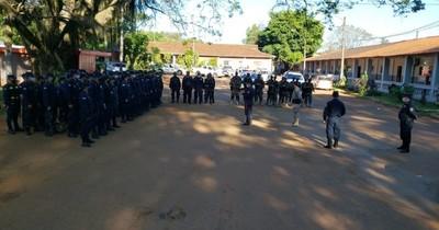 Efectivos policiales denuncian abandono