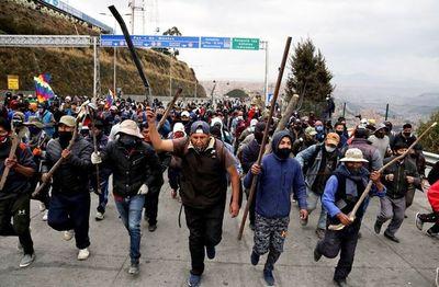 Los bloqueos de caminos en Bolivia asfixian a hospitales en emergencia