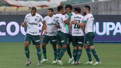 Flamengo cae goleado ante el último y empata el Palmeiras de Gustavo Gómez