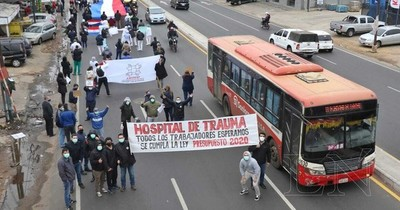 Trabajadores del Hospital de Trauma exigen pago de gratificación por COVID-19