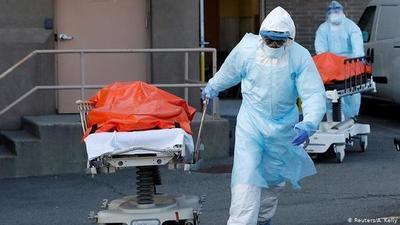 EE.UU. reportó la cifra diaria de muertes por coronavirus más alta desde mayo