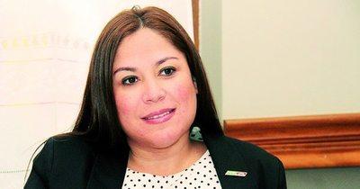 Juez admite imputación contra Patricia Samudio y su marido por caso Petropar