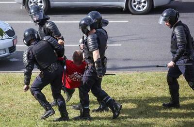 Denuncian abusos y torturas a manifestantes en prisiones bielorrusas