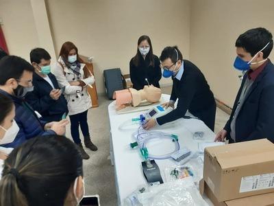 Capacitaron a médicos y enfermeros para la utilización de ventiladores pulmonares – Prensa 5