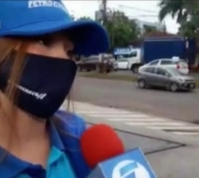 Trabajadora de estación de servicio ayudó a dar a luz a una mujer