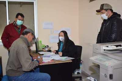 Municipios y organizaciones rurales de Misiones recibieron desembolsos por preparación de suelo