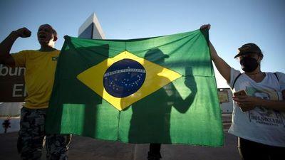Brasil registra 1.262 nuevas muertes por COVID-19, suma 105.463 decesos