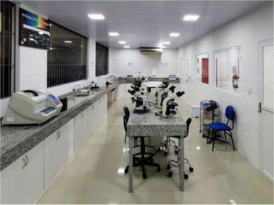 CDE procesará 600 muestras por día con nuevo laboratorio biomolecular