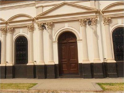Concepción: Denuncian  corrupción  en refacción de teatro