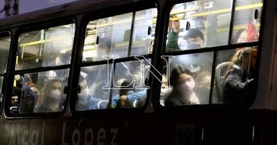 Por exceso de pasajeros multaron solo a 94 empresas de transporte desde marzo