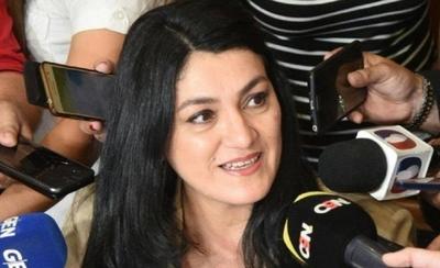 HOY / Exviceministra de educación, Nancy Ovelar  opinó sobre la gestión de Mario Abdo