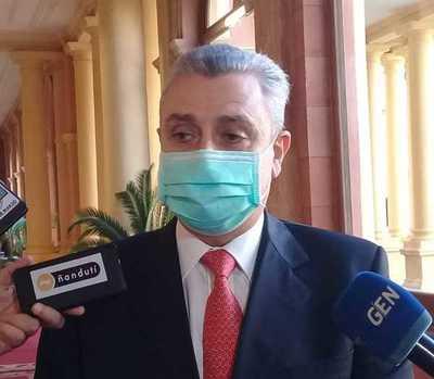 """Villamayor dice que el problema está entre nosotros y el virus: """"El Gobierno no está en medio de ese drama"""""""