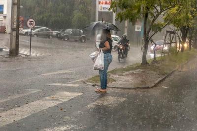 Se pronostican más precipitaciones y ocasionales tormentas eléctricas