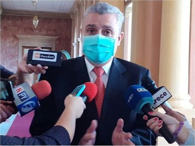 """Covid-19: """"A veces la solución no está en manos del Gobierno"""", afirma Villamayor"""