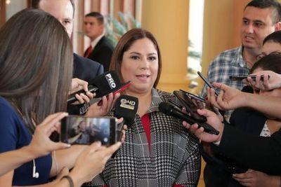 Conceden medidas alternativas a la prisión a Patricia Samudio, extitular de Petropar