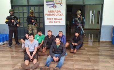 Militares detienen a 7 presuntos contrabandistas en la zona del Acaray