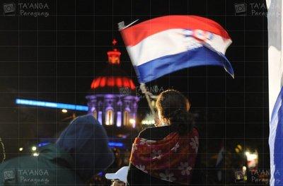 Día de la única bandera en el mundo que tiene dos figuras diferentes en el anverso y reverso