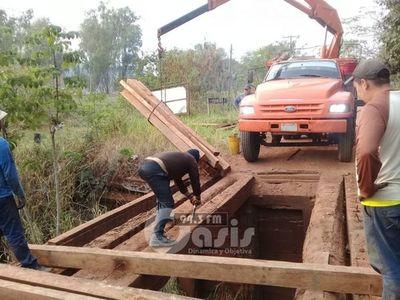 Reparan nuevamente puente en la Colonia Santa Clara